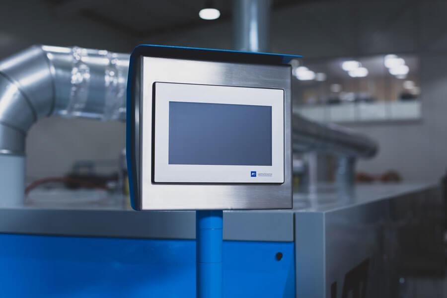 Painel de Controlo com Ecrã LCD policromático
