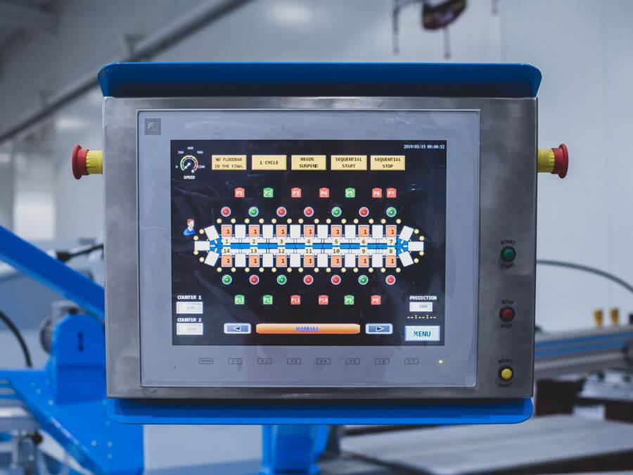 Painel de controlo com LCD de ecrã táctil de 15''