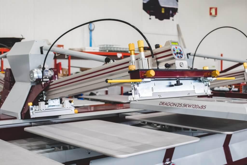 Position de nettoyage automatique pour un nettoyage plus facile du cadre